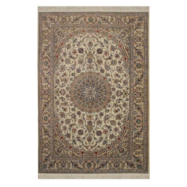 مشخصات فرش نایین چیست؟
