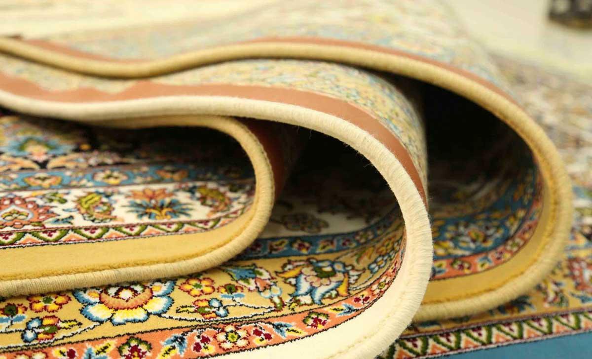 شستن فرش کرمی و لکههای روی سطح فرش