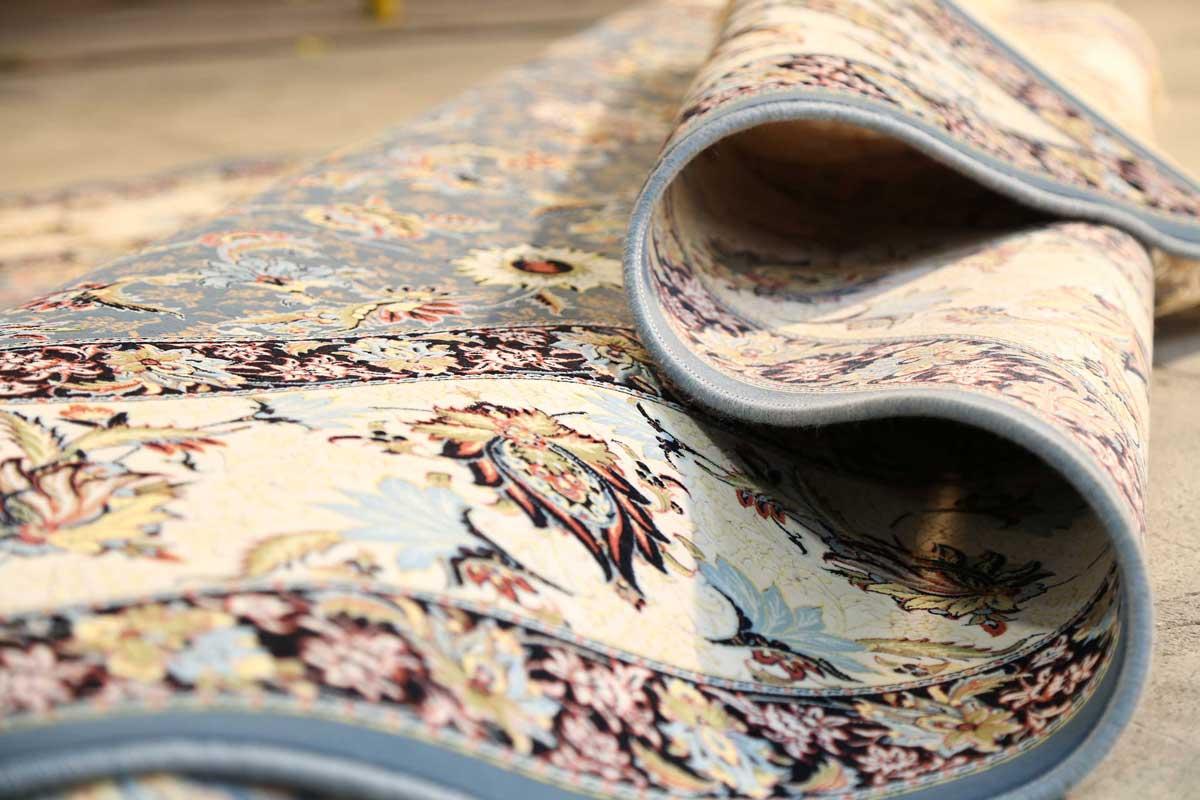 شستن فرش کرمی دستباف